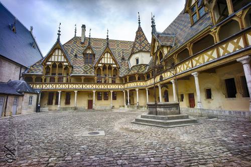 Top 5 des destinations notouristiques le vin selon renaud - Quoi visiter a beaune ...