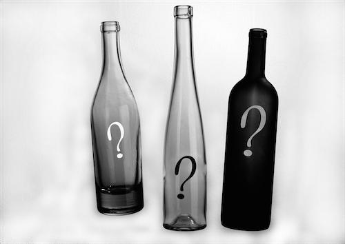 qu'est-ce qu'il se cache derrière une bouteille ?