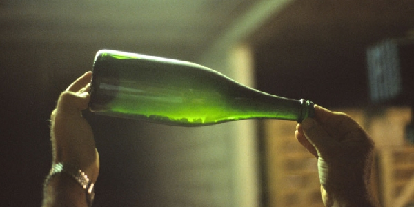 vin du dépôt comprenant des levures
