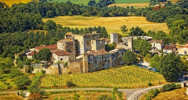 Paysage d'un village de la région d'Armagnac